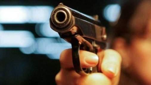 Стрелял по прохожему возле магазина: в Переяславе задержали 26-летнего мужчину