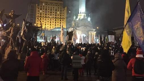 Поліція пішла на штурм наметів ФОПів на Майдані, сталися сутички: відео