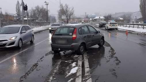Итоги снегопада: в Киеве произошло более 340 ДТП за сутки