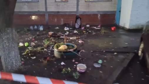 В Киеве мать выбросила 3-летнего мальчика из окна 8 этажа: жуткое видео 18+