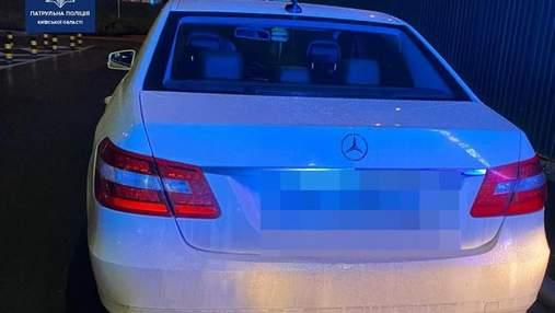 Управлял пьяным: под Киевом патрульные остановили владельца элитного автомобиля, лишенного прав