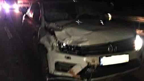 На Рівненщині 19-річний киянин на позашляховику збив на смерть 2 пішоходів: відео 18+
