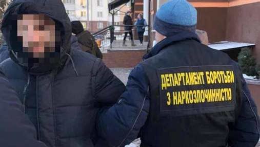 """Продавал """"липовые"""" справки о COVID-19: в Киеве поймали предприимчивого мошенника"""