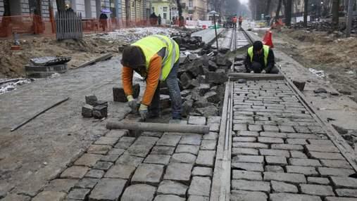 Бруківка на місці, – Садовий розповів, коли  у Львові завершать ремонт вулиці Бандери