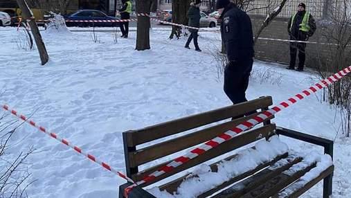 Киянин влаштував стрілянину по перехожих з власного балкона, його затримали патрульні: фото
