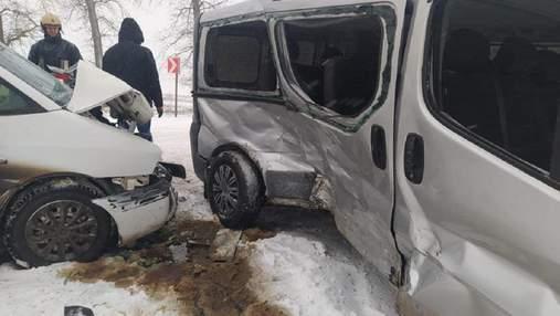 Масштабное ДТП на Тернопольщине: пострадали 7 человек, среди них дети – фото