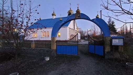 Чоловік обікрав церкву на Полтавщині: зникли гроші та вироби зі срібла