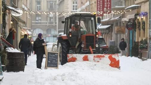 У Львові ще більше розгуляється негода: Садовий закликав містян не користуватись автівками