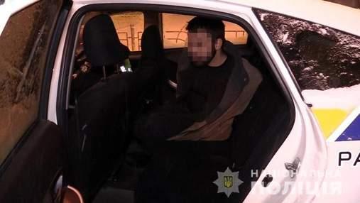 Забив знайомого на смерть: у Києві за підозрою у вбивстві затримали 23-річного чоловіка – відео
