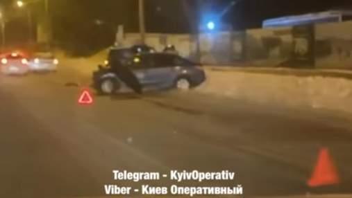 В Киеве в жесткое ДТП попали 4 автомобиля: видео