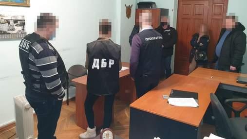 На Харьковщине ГБР разоблачило полицейских, которые без причин избили и задержали фермеров