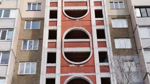 В Киеве школьница упала с 16 этажа: появились детали трагедии
