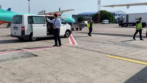 Прикордонники заперечили, що через Тищенка затримували літак