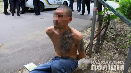 17 ударів ножем: у Києві затримали чоловіка, який зарізав тещу та намагався вбити її брата