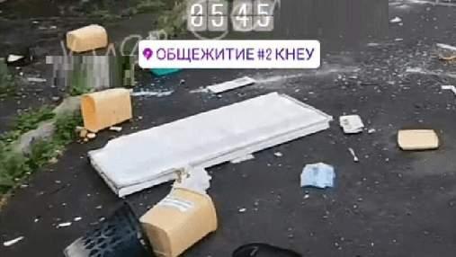 Вероятно, наркозависимые: в общежитии Киева устроили невероятный погром – видео