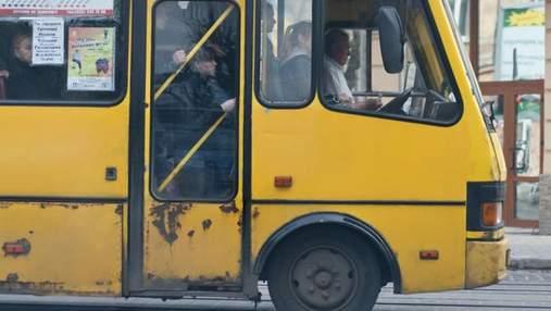 Без шансона и прокуренных салонов: Киев изменил правила для маршрутчиков