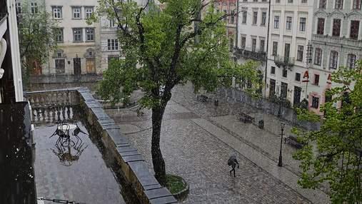 Зливи та спека до +33: якою буде погода на вихідні у Львові та області