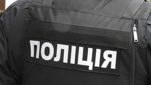 Під Києвом комунальник побився з колегою та погрожував йому пістолетом: фото