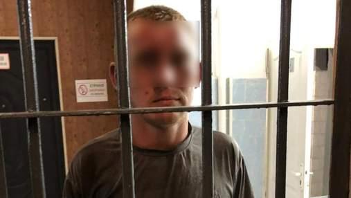 На Київщині зловмисник, який перебував під домашнім арештом, пограбував бабусю