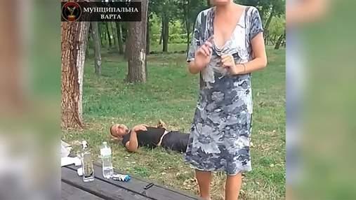Пара займалася сексом у парку Києва: відео