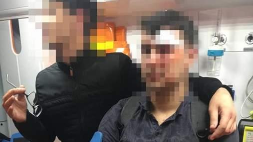 У центрі Львова чоловіки розгромили кіоск з шаурмою: 2 турки потрапили до лікарні – фото