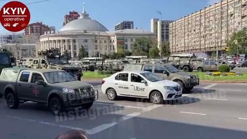 В Киеве водитель Uber нагло заехал в колонну ВСУ на перекрытой улице