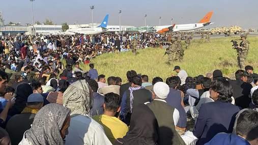 Після захоплення влади талібами: Штати заявили, що евакуювали 17 тисяч людей з Афганістану