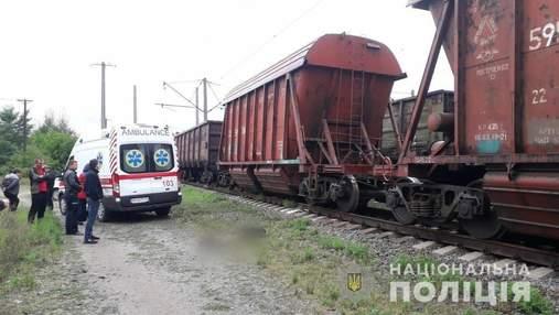 Залез на вагон поезда: на Киевщине погиб 13-летний мальчик