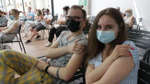 У Львові пункти вакцинації працюватимуть у виші та на фестивалі: графік роботи