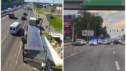 На Київщині майор поліції на легковику влетів у вантажівку: ймовірно був п'яним