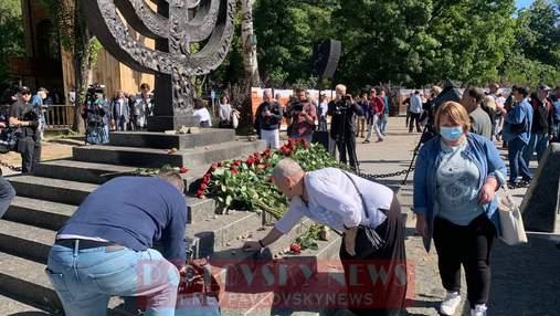 Прошло 80 лет: в Киеве проводят траурные мероприятия к годовщине трагедии в Бабьем Яру