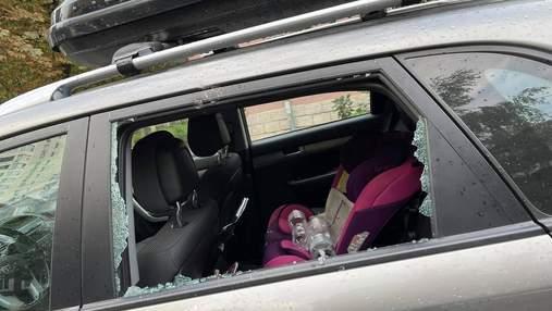 """Ймовірно, музикальні колектори: продюсеру гурту """"Антитіла"""" у Києві розбили вікно машини"""