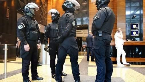 """Представители власти хотят под выборы захватить 4 600 плоскостей """"Октагон-Аутдор"""" – аналитик"""