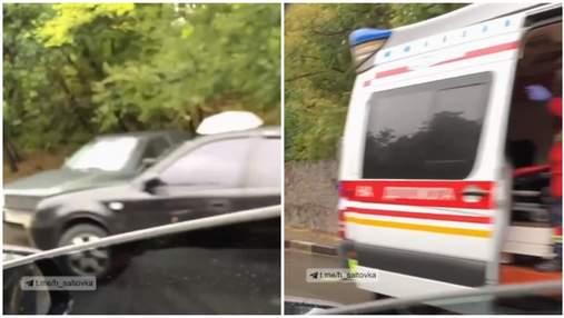 В Харькове столкнулись 6 авто: на место вызвали скорую