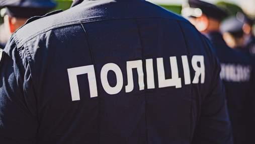 Ударил женщину и угрожал оружием: в метро Киева задержали агрессивного иностранца