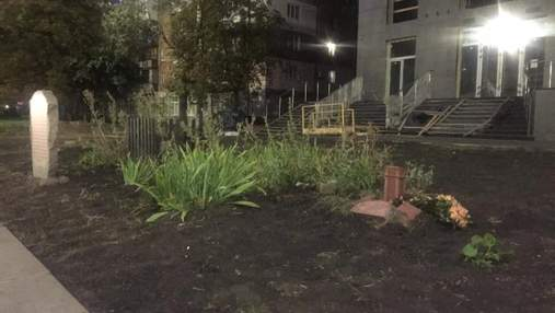 В Киеве снесли памятные кресты жертвам Бабьего Яра, где строят жилой комплекс