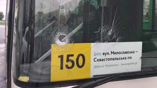 В Киеве титушки напали на автобусы компании, перешедшей на новые правила перевозок пассажиров