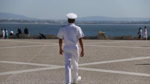Напади піратів та дружини у кожному порту: капітан далекого плавання про стереотипи професії
