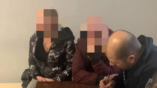 """Силой затолкал в авто и тронулся: курьезные подробности """"похищения"""" женщины во Львове"""