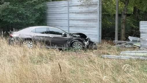 Водійка протаранила паркан держрезиденції в Конча-Заспі, бо заснула, – ЗМІ