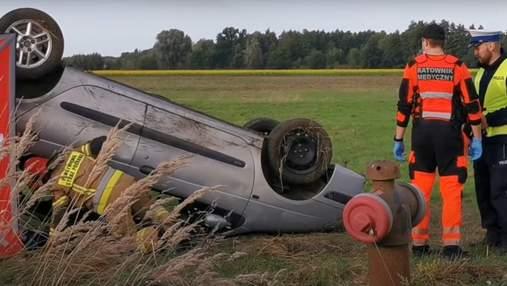 Авто перевернулось: в Польше в ДТП погиб украинец