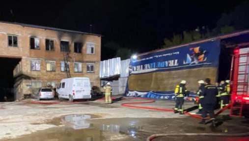 У хостелі Києва під час пожежі загинула людина