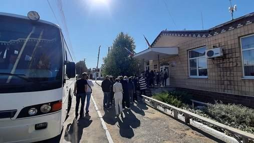 """З'їздили на """"вибори"""": ситуація з COVID-19 у Донецьку вийшла з-під контролю"""