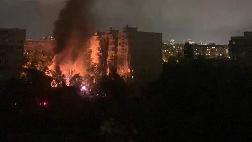 На Оболоні у Києві вибухнув та загорівся трансформатор
