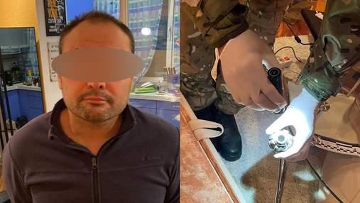 """Попався на крадіжці цигарок: на Київщині у рецидивіста виявили гранату, РПГ і """"вогнепал"""""""