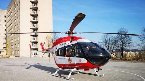 Во львовскую больницу на вертолете эвакуировали 3-месячного младенца
