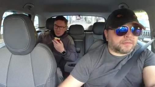 Київський таксист вигнав пасажира з яблуком: у мережі обговорюють гучне відео