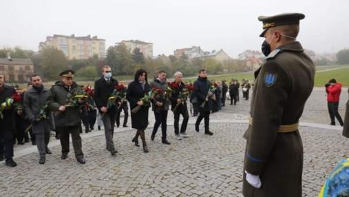 Во Львове почтили павших защитников и защитниц Украины
