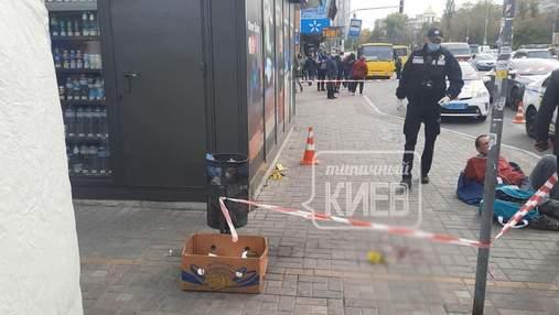 """На """"Левобережной"""" в Киеве нетрезвый мужчина порезал пассажира маршрутки ножом"""