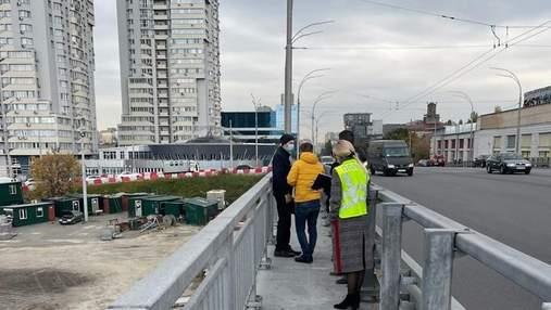 Полицейские с экспертами ищут нарушения при строительстве Шулявского моста